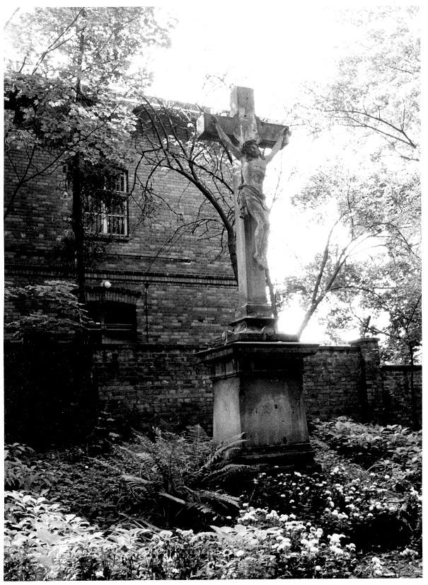 Krzyż główny 1985